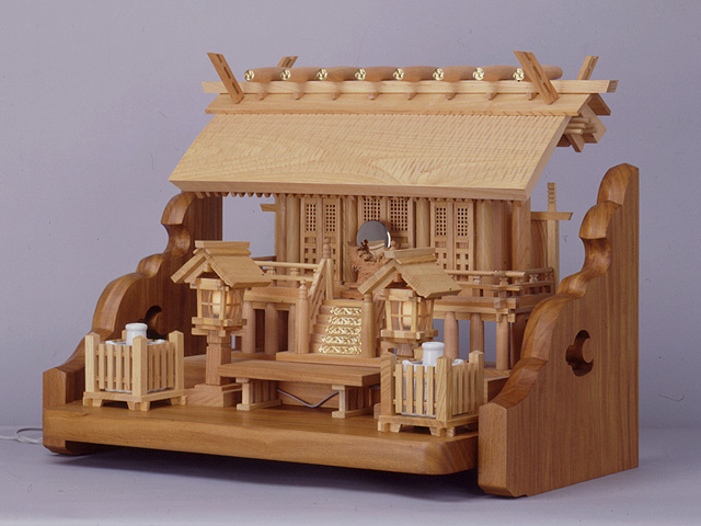 欅彫屋根三社(格子戸仕上げ)