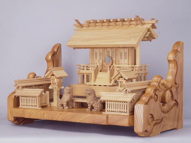 欅本造り三社